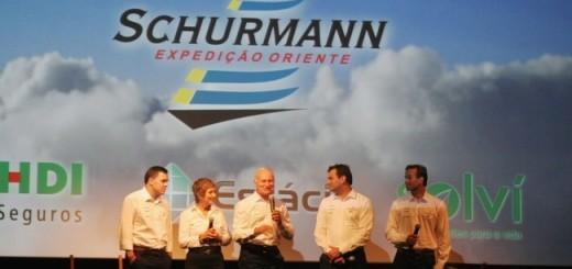 Estaleiro de Itajaí constrói maior veleiro de aço fabricado no Brasil - Família Schurmann
