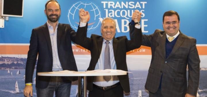 Edouard Philippe, prefeito de Le Havre e deputado do Sena Marítimo, Jandir Bellini, prefeito de Itajaí, e Rodrigo Costa, prefeito de Itapema